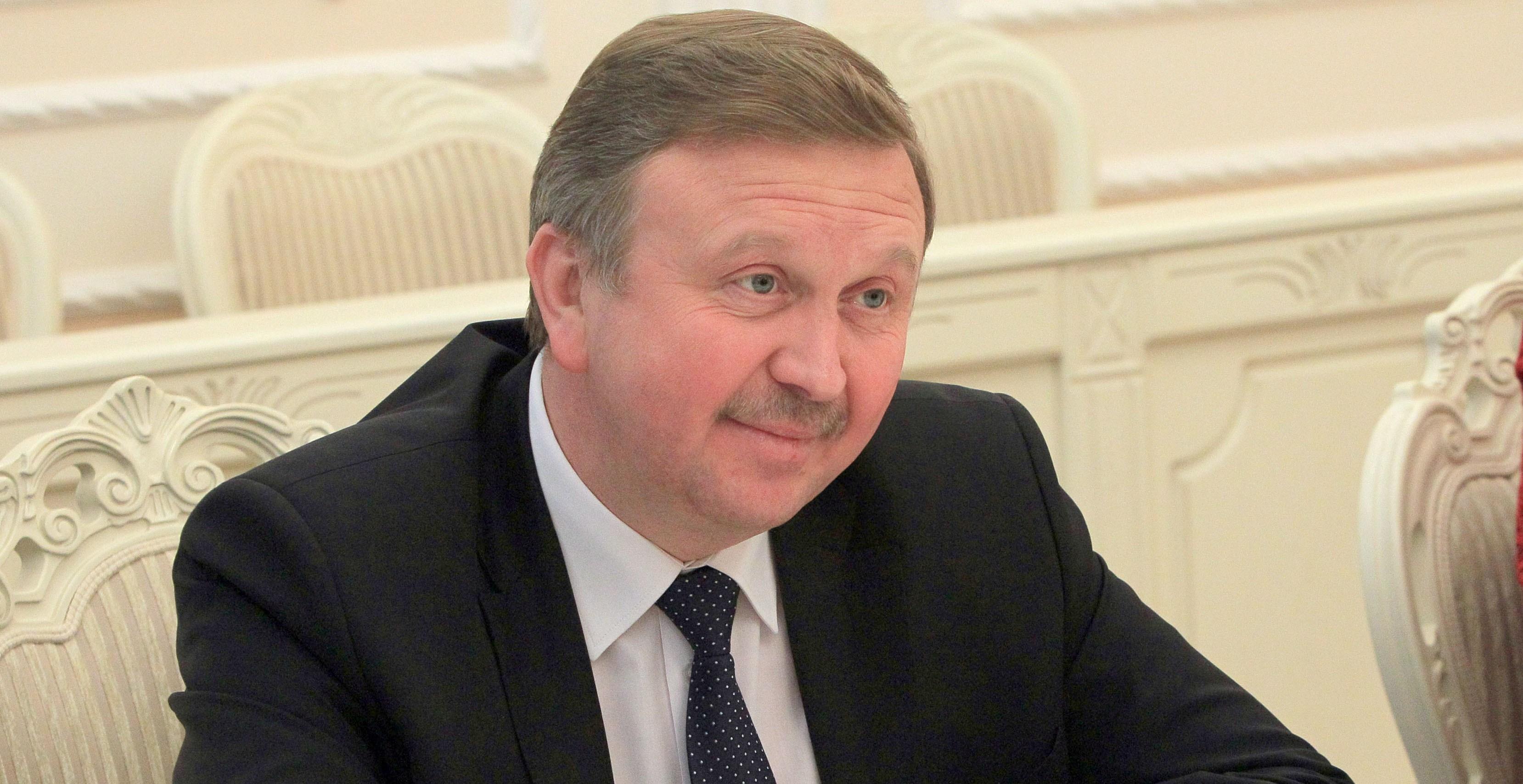 Кобяков засомневался в реальности поднятия зарплаты белорусам до 500 долларов
