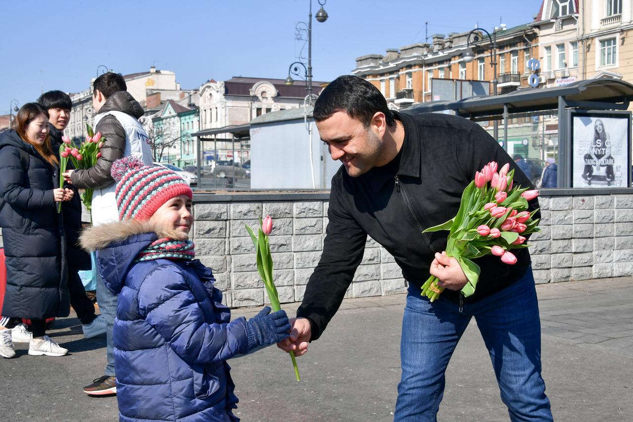 Сегодня праздник всех мужчин поздравление с 8 марта